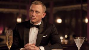 Bond - nur noch an der Bar souverän.
